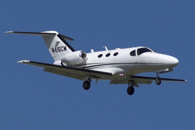 800px-Cessna_Citation_Mustang_N416CM